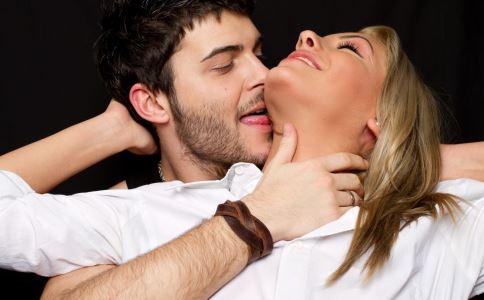 女生怎么追自己喜欢的男生 女追男技巧