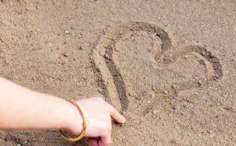 恋爱中女人的7个心理,你中了吗?-成人用品|情趣用品|性爱保健品|两性用品成人网站