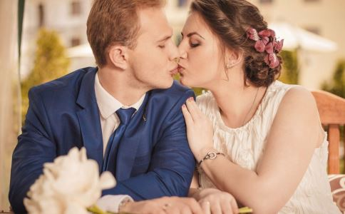 怎么吻最有感觉 老司机教你六个接吻技巧-春印堂专注于男性键康,专业印度代购,正品保证,全国包邮!让您拥有性福生活!
