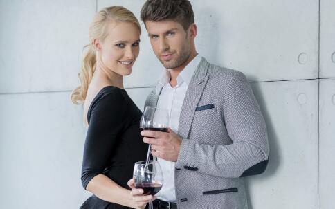 红酒是调情剂 喝红酒对男女有啥好处-成人用品|情趣用品|性爱保健品|两性用品成人网站