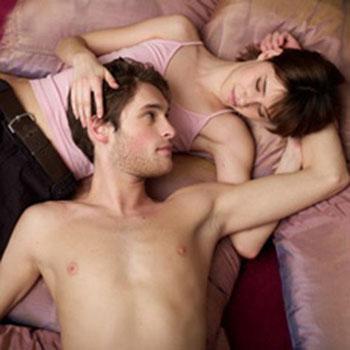 性爱如何控制好在女人高潮时射精