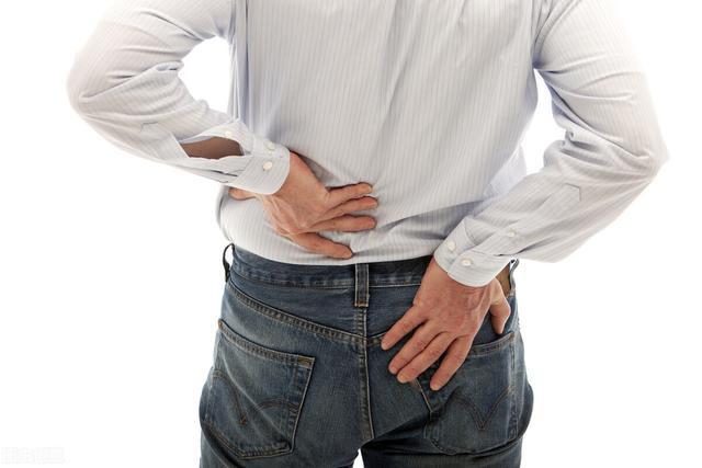 男子腰酸、肝肾功能受损,感染科医生一查,病因却是痤疮引起的